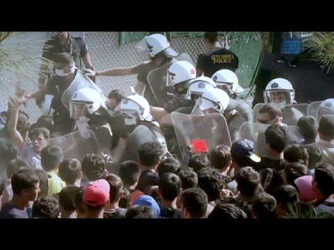 Ένταση στην Λέσβο- Μετανάστες οργίστηκαν για τις καθυστερήσεις στην καταγραφή τους