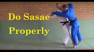 Sasae tsuri komi ashi is a hard technique to perofrm oin randori and shiai. In this video Justin from Beyond Grappling show you how to do it properly. If you...