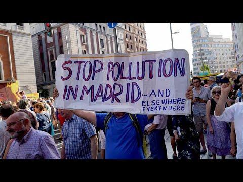 Tausende protestieren in Madrid gegen die schleche Luft