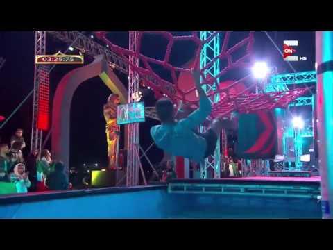 بطل ألعاب القوى الأردني يسقط في مياه Ninja Warrior بالعربي