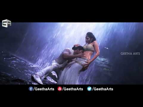 Video Tamannah Hot Navel in Badrinath Movie Ultra Hot Navel Enjoyed by Allu Arjun download in MP3, 3GP, MP4, WEBM, AVI, FLV January 2017