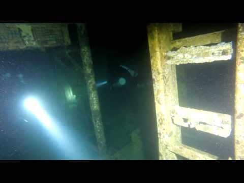 EX-HMAS Canberra Night Dive with DPV's