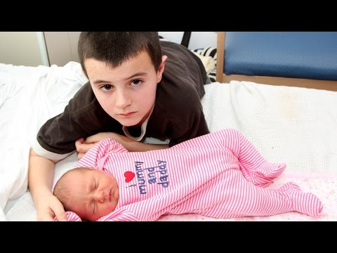 Video 5 Youngest Parents In The World download in MP3, 3GP, MP4, WEBM, AVI, FLV January 2017