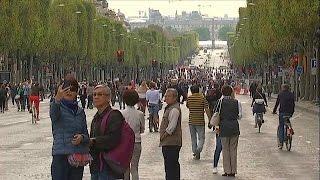 بالفيديو.. باريس تعيش يوما بلا سيارات