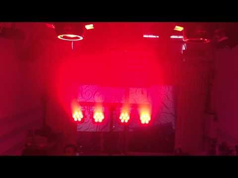 Đèn pha màu 4 led gói gọn tiện lợi cho sân khấu di động