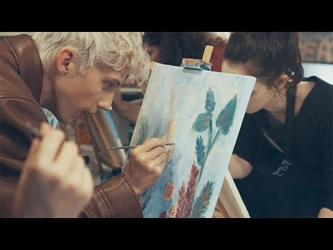 Video Troye Sivan Surprises Fans with BLOOM Art Class download in MP3, 3GP, MP4, WEBM, AVI, FLV January 2017