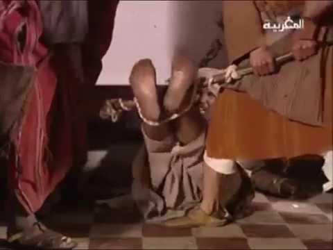 Falaka - coups de bâton sur la plante des pieds falaka falaqa fala9a bastinado فلقة فلكة فلک.