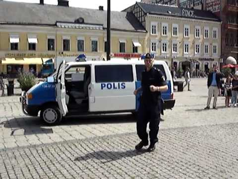 Swedish-policeman-funny-dancing-