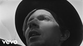 Beck - Heart Is A Drum - YouTube