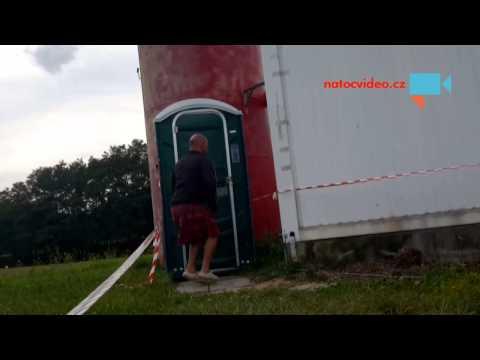 Tým Brno - 13.den - záchod