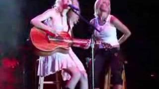 Taylor Swift and Kellie Pickler Duet 5/24