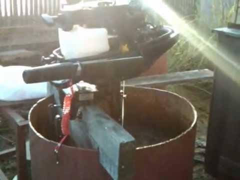 запуск лодочного мотора в бочке