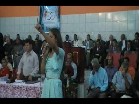 Layslla Cantando ao vivo em Buriti