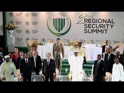 Ολάντ: «H Mπόκο Χαράμ είναι η πλέον βάρβαρη τρομοκρατική οργάνωση στον κόσμο»