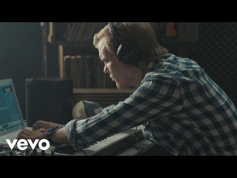 Avicii  -  Silhouettes (AVICII s Exclusive Ralph Lauren Denim and Supply Mix) (Official Video)
