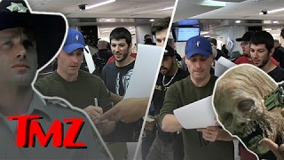 Nonton Andrew Lincoln Signs A Billion Autographs At Lax    Tmz Film Subtitle Indonesia Streaming Movie Download