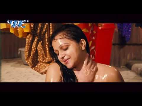 Video नहाते हुए सब कुछ देख लिया इस हीरोइन का Bhojpuri  Hot Scene HD 2018 download in MP3, 3GP, MP4, WEBM, AVI, FLV January 2017