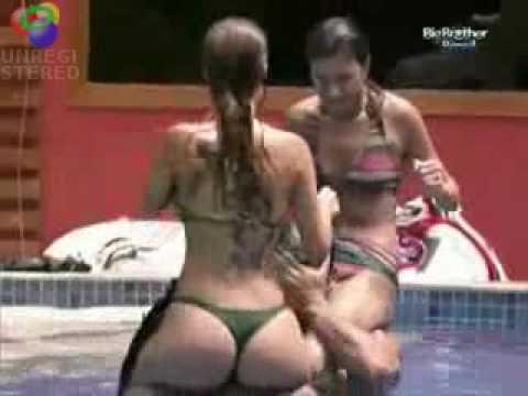 Big Brother Brasil 10 - Cláudia de biquini Fio Dental