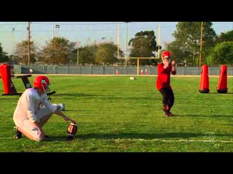 glee - single ladies (beyoncé) kicker 'audition' - kurt hummel (chris colfer) (видео)