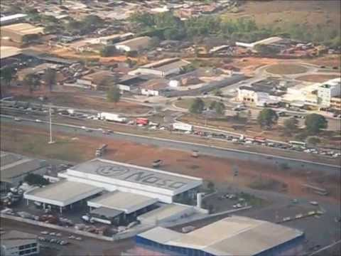 BRASILIA, ATERRIZANDO EN EL AROPUERTO INTERNACIONAL JUSCELINO KUBITSCHEK