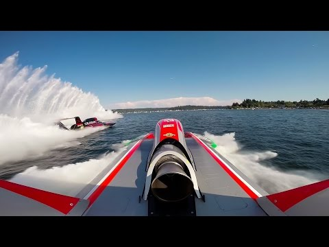 The world s fastest race boats crashing at 200mph