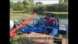 Self-propelled hydraulic dredger HCC 220/25 provided on request. The pontoons are provided by the customer.