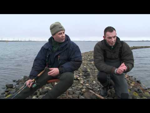 Oostvoornsemeer - Verslaggever Robert de Wilt gaat op pad met Marcel van der Ham om alles te weten te komen over Marcel's aparte vistechniek voor de forel in het Oostvoornse M...
