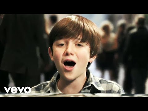 Greyson Chance – Waiting Outside The Lines