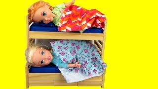 Video Toddler Elsa CAN'T Sleep ! Elsa and Anna toddlers - bedtime - night time MP3, 3GP, MP4, WEBM, AVI, FLV Agustus 2018