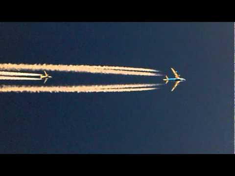 A Boeing 747 overtaking a Boeing 737 at speeds close to the speed of ...