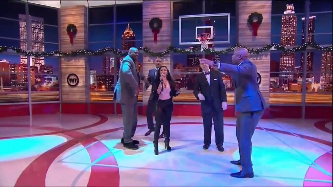 Nicki Minaj Cyphers With TNT's Inside The NBA Hosts
