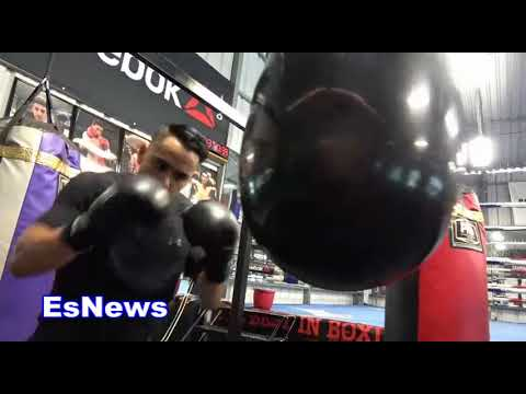 Misael Rodriguez Mexico's Olympic Winner 160 div working on punching bag EsNews Boxing