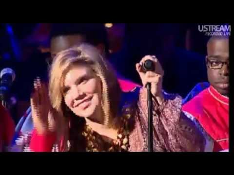 Alison Krauss - Down To The River To Pray [ Live ]