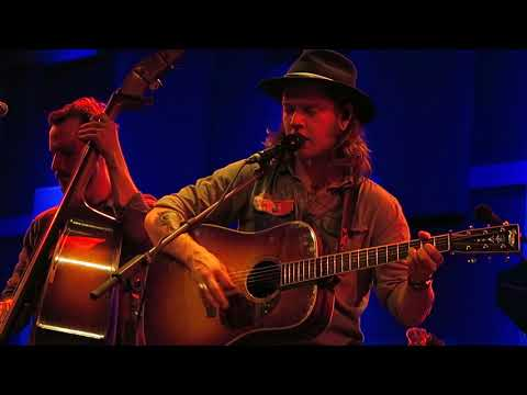 "Billy Strings Live Covering Pearl Jam Song ""In Hiding"" WXPN World Cafe Live 2018 Tour Lyrics Video"
