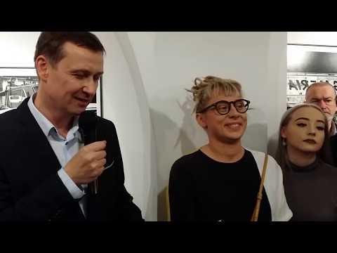 Wideo1: Wernisaż wystawy Bogdana Marciniaka 60/60 w MBWA w Lesznie