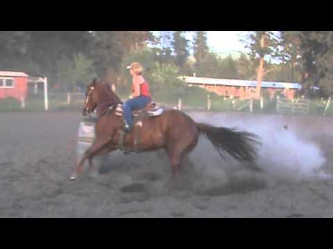 Running Barrels In A Bob Marshall Saddle