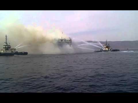 """بالفيديو.. غرق العبارة """"بيلا"""" في خليج العقبة"""