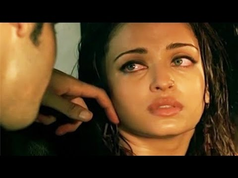 Video Aishwarya Rai Bachchan Scene in Ae Dil Hai Mushkil Movie 2016 | Bachchans Miffed download in MP3, 3GP, MP4, WEBM, AVI, FLV January 2017