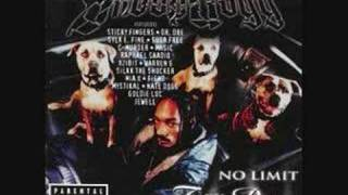 Buck 'Em - Snoop Dogg ft Sticky Fingaz