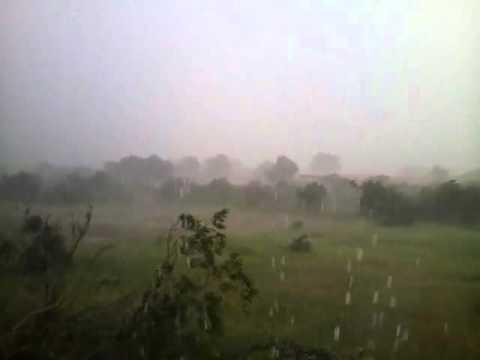 Chuva de granizo em Santo Inácio do Piauí