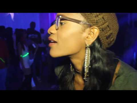 HOLLY STACKS Performance for KMTH Radio Launch Party (видео)