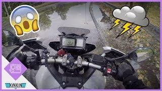 Je me suis tapé un orage de malade en moto. Je vous partage ca suite au fou rire avec Floriane. Nous avons fini mouillé comme...