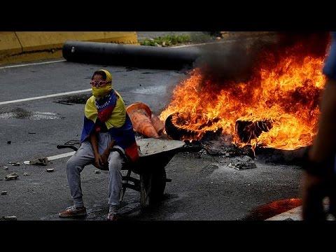 Νέες οδομαχίες με νεκρούς στη Βενεζουέλα