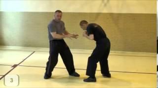 Polski instruktor pokazuje jak bronić się przed ciosem prostym na twarz!