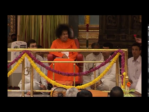 Video Divine Darshan of Sri Sathya Sai Baba - Part 165 | Onam Celebrations at Prasanthi Nilayam download in MP3, 3GP, MP4, WEBM, AVI, FLV January 2017