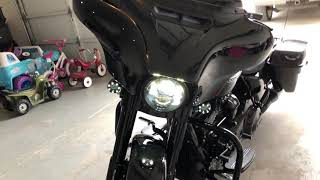 10. 2018 Harley Street Glide Special Milwaukee 8 Stage 4, LA Chopper 10� apes Vance Hines
