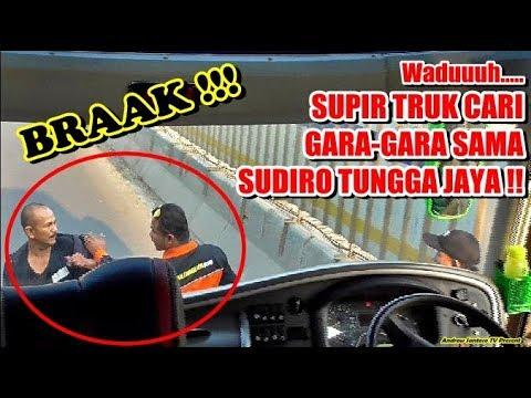 BRAAAK !! SUPIR TRUK INI CARI GARA-GARA AJA SAMA SUDIRO TUNGGA JAYA !! LANGSUNG DIHADANG DI TOL