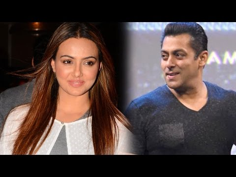 Sana Khan To Keep Special Screening Of Wajah Tum H