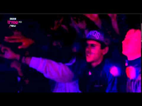 Avicii plays Mark Morrison's 'Return of the Mack' at T in the Park