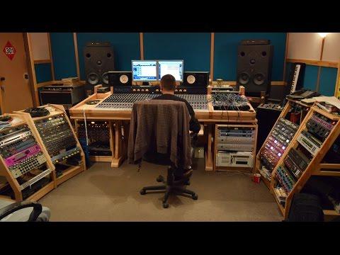 Студия какая она Сколько стоит запись на студии - DomaVideo.Ru